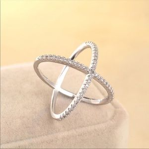 Jewelry - silver criss cross ring